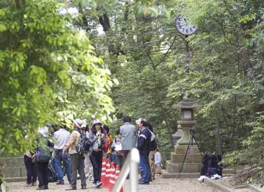 水度神社の人混み