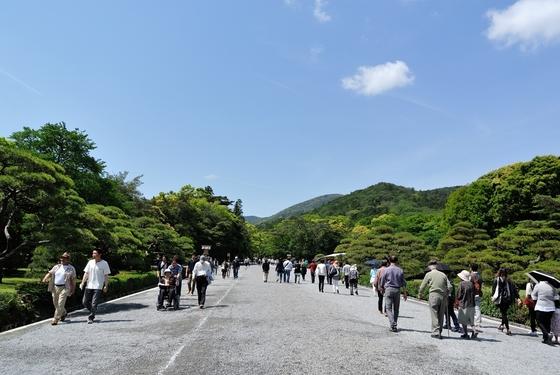 伊勢神宮-内宮への道
