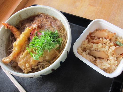 天ぷらそばと松茸ごはん